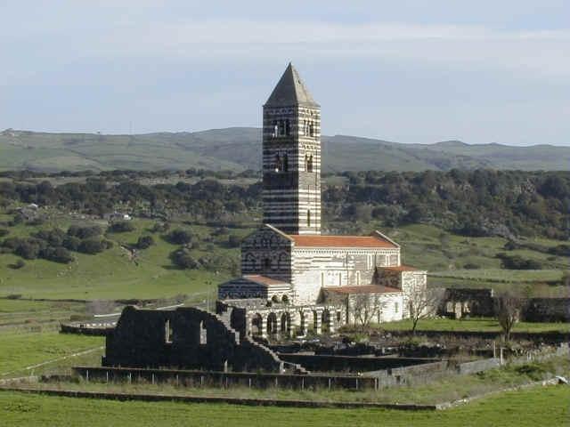 Sardynia - Kościół Trinita di Saccargia - zdjęcia, atrakcje